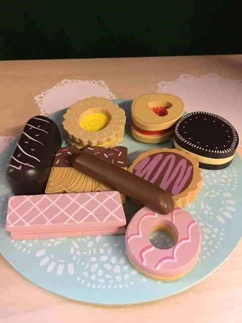 biscuits plate