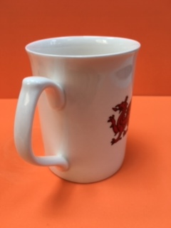 01 welsh mug dragon